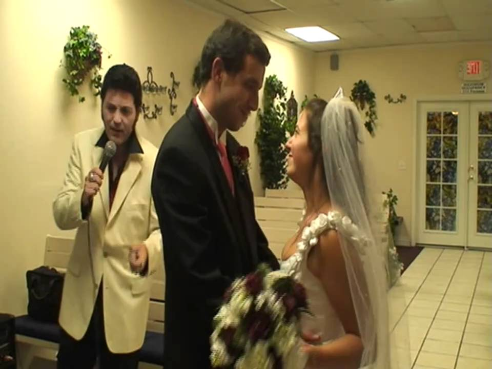 Matrimonio Simbolico Las Vegas : Valeria e stefano matrimonio a las vegas con elvis youtube