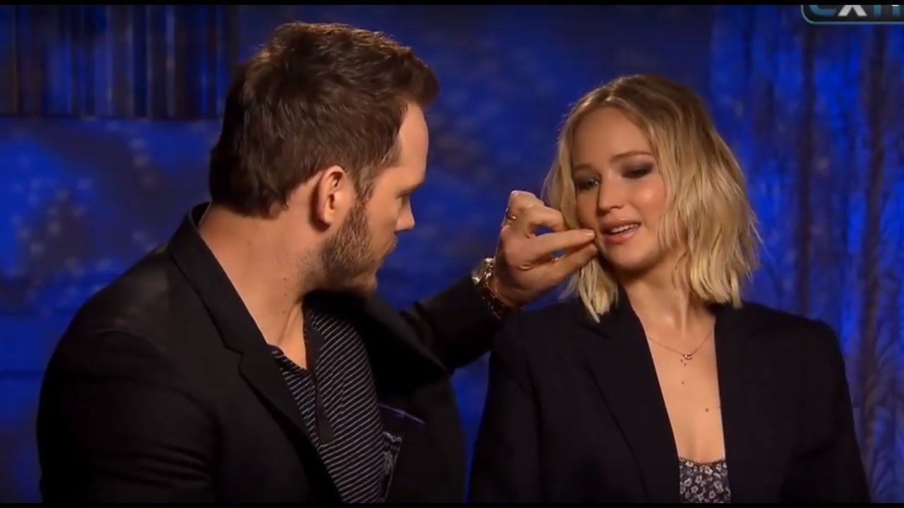 Jennifer lawrence flirt 2ith old men [PUNIQRANDLINE-(au-dating-names.txt) 46