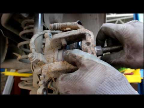 Chevrolet Cruze  1,6  Шевроле Круз 2010 года Замена задних тормозных колодок