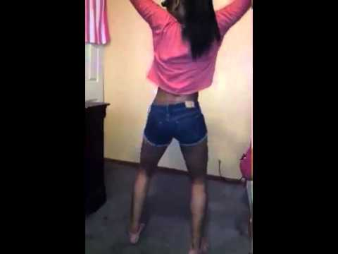 Girl Twerking To Bruki