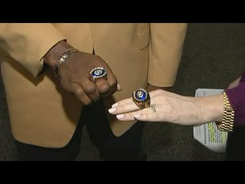 A look at Kay Jeweler's Pro Football Hall of Fame ring