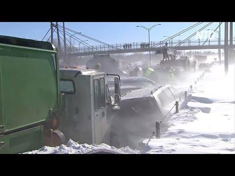 Смертоносное ДТП на скоростном шоссе в Канаде: столкнулись 200 машин