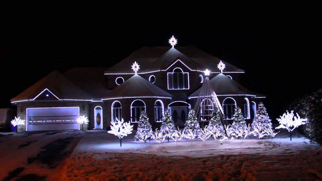 Bernier Christmas Lights Show Amazing Grace Techno 2014 - YouTube