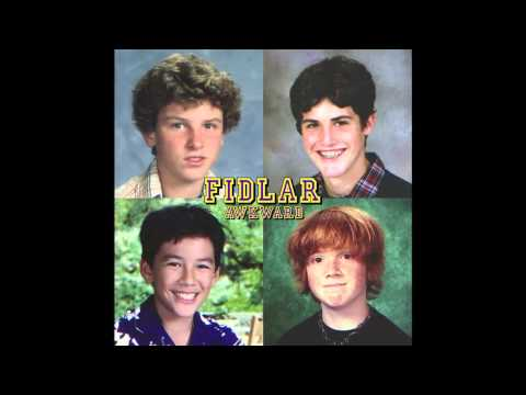 Download Youtube: FIDLAR - Awkward