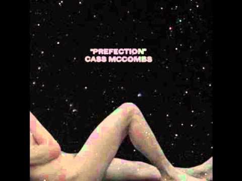 Cass McCombs - She's Still Suffering