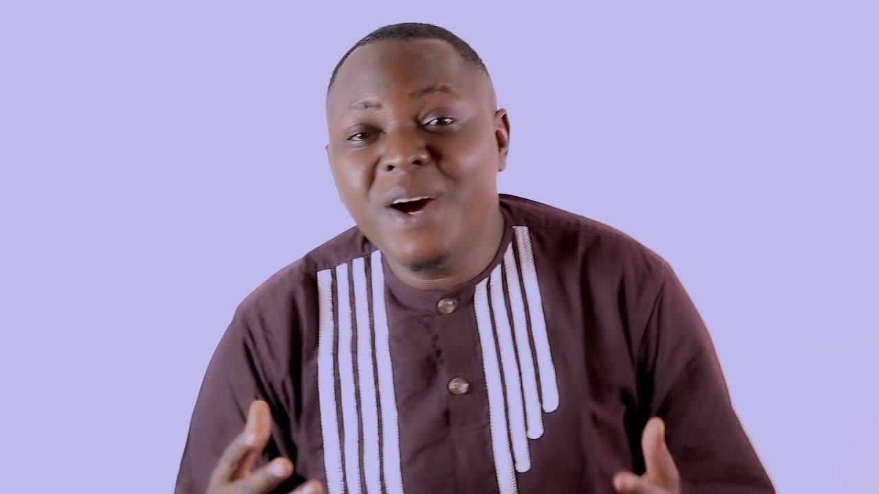 Download Christopher Mwahangila - Yesu Yuko Hapa - Official Video Song