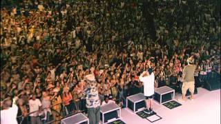 宜野湾市海浜公園屋外劇場 2004年08月07日 最後の歌詞が知りたい人がい...