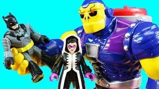 Download Batman Plays Hide And Seek With The Joker | Huntress & Teenage Mutant Ninja Turtles Leo Rescue Mp3 and Videos