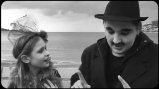 """Римейк фильма Чарли Чаплина """"Сцены у моря"""""""