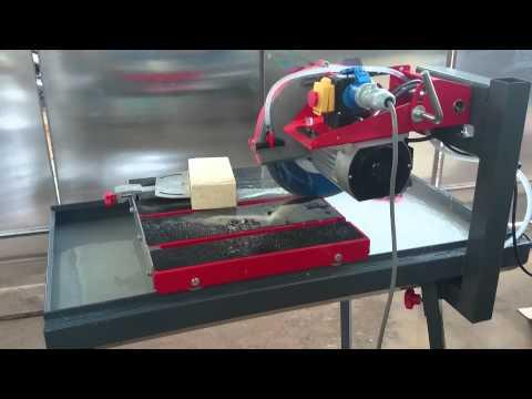 Máy cắt gạch chịu lửa hiệu Rubi DR 350
