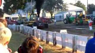 RED TRACTOR PULL