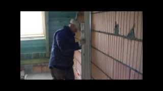 Штукатурка. Как штукатурить стены(В этом видео показано как правильно начинать штукатурку стен. Полный курс видео можно найти на сайте: http://vide..., 2013-10-30T08:55:51.000Z)
