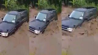 MAAJABU : AOMBA MUNGU GARI LAKE LISIPELEKWE NA MAJI  (MAFURIKO ) MOROGORO
