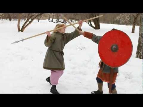 Поединок - топор против копья / Battle - spear VS axe