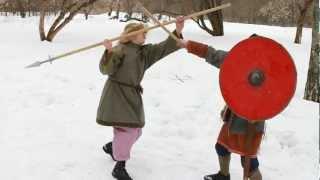 Поединок - топор против копья / Battle - spear VS axe(Попробовали снять нашу зимнюю тренировку - вот, что в итоге получилось Исторический клуб