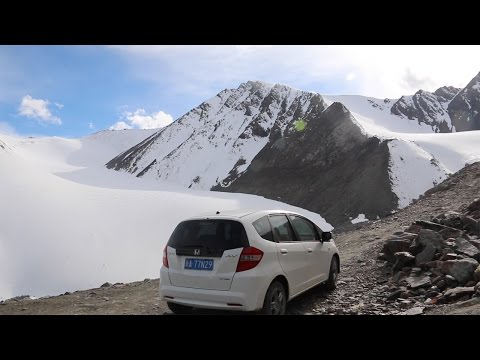 Xinjiang Roadtrip on the Stunning Highway 216