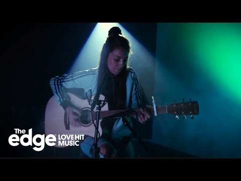 Amy Shark  Green Light Lorde   at The Edge