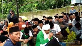 Menyedihkan | Pembacaan Talqin Oleh TGH Athar Pada Pemakaman TGH Fathurrahman