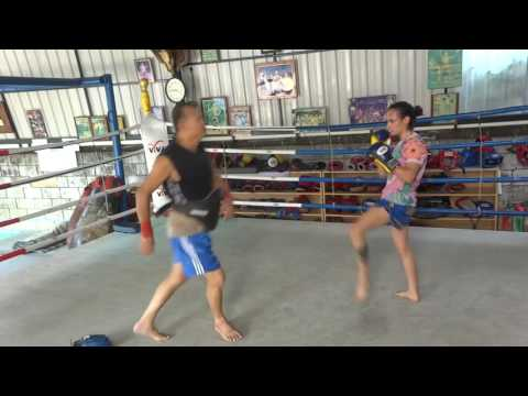 Training with Arjan Surat of Dejrat Gym with Audio Commentary
