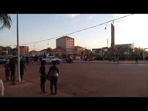 Guinea Bissau - The President returning to Palace from Airport
