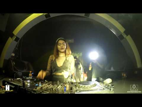 DJ Dhawa Live at Hollywood Bar Bandung