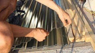видео Покрываем крышу гаража технониколем своими руками