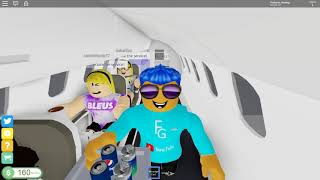 OUR FIRST DAY ON THE JOB!! | Cabin Crew Simulator - Roblox #1