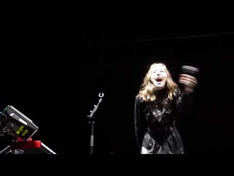 Haim - Want You Back (HD) - Alexandra Palace - 16.06.18