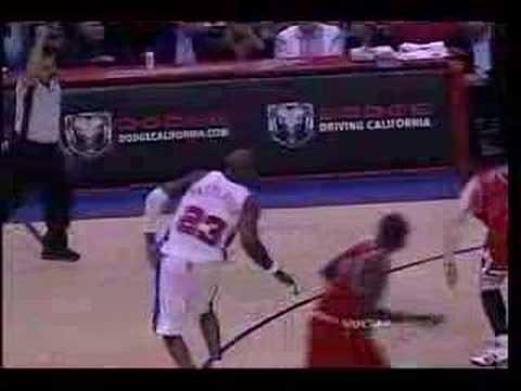 Andres Nocioni vs The LA Clippers