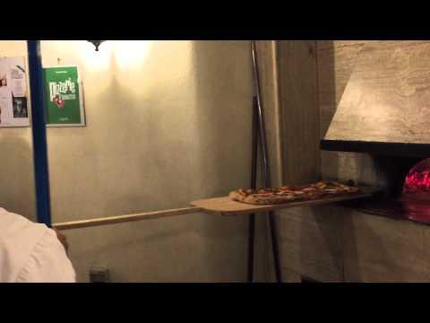 "Pizza al metro da ""Villa Giovanna"" - Ottaviano (NA)"