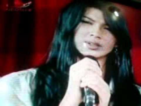 Cuplikan Sinetron Nada Cinta(flora Menyanyi) Ysm.3GP