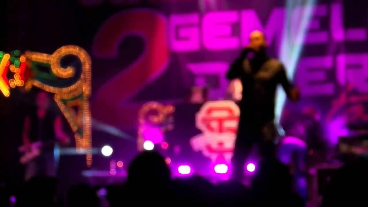 Gemelli diversi strano e thema kyra kole dj tour live for Strano gemelli diversi