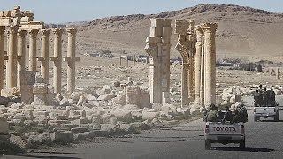 """الجيش السوري يستعيد """"لؤلؤة الصحراء"""" من قبضة داعش"""