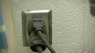 Workshop Safety Tips : Workshop Safety Tips: Disconnecting Power For Power Tool Maintenance