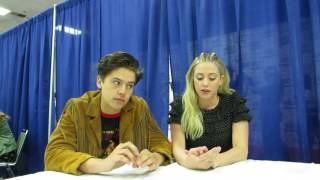 wondercon 2017 cole sprouse lili reinhart talk riverdale and bughead