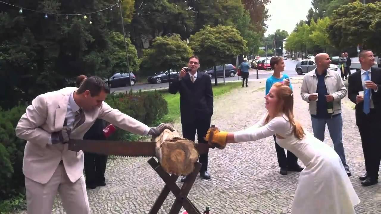 Baumstamm Zersagen Tipps Zum Hochzeitsspiel