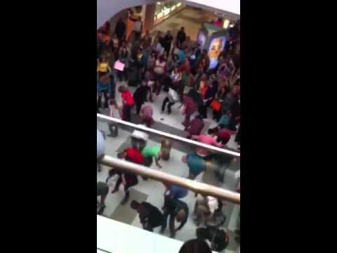 Glee at Eagle Rock plaza new 3/29/2011