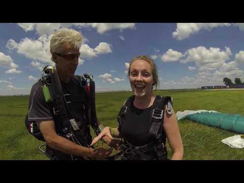 1336 Marie Carey Skydive at Chicagoland Skydiving Center 20160726 Leonard Dan