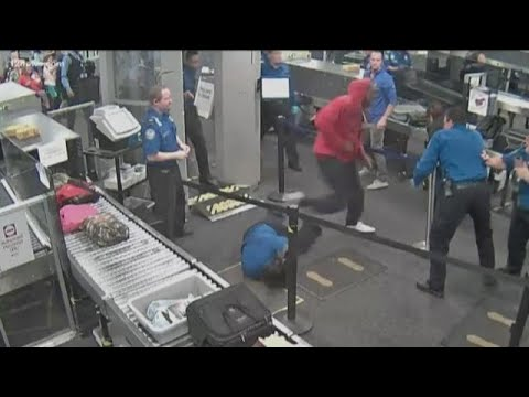 Video shows Phoenix TSA agents attacked at Sky Harbor Airport