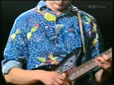 "Laika & The Cosmonauts - Oahu Luau (from documentary ""Emma Etsimässä"", live 1989) tab"