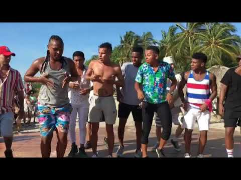 Colombians dancing to African music 🇨🇴 - Part 2