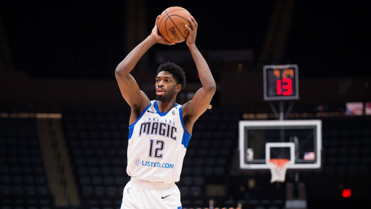detailed look 0c083 6e290 Amile Jefferson goes for double-double in win over Drive
