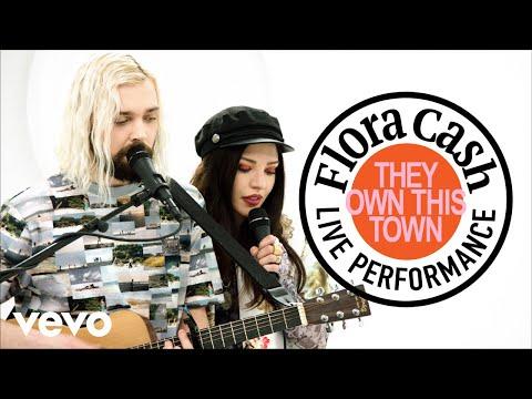 Смотреть клип Flora Cash - They Own This Town