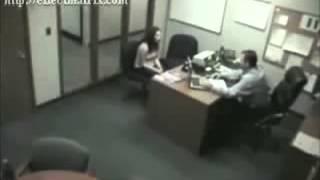 مدير يطرد موظفة فتحطم جهازه الكمبيوتر
