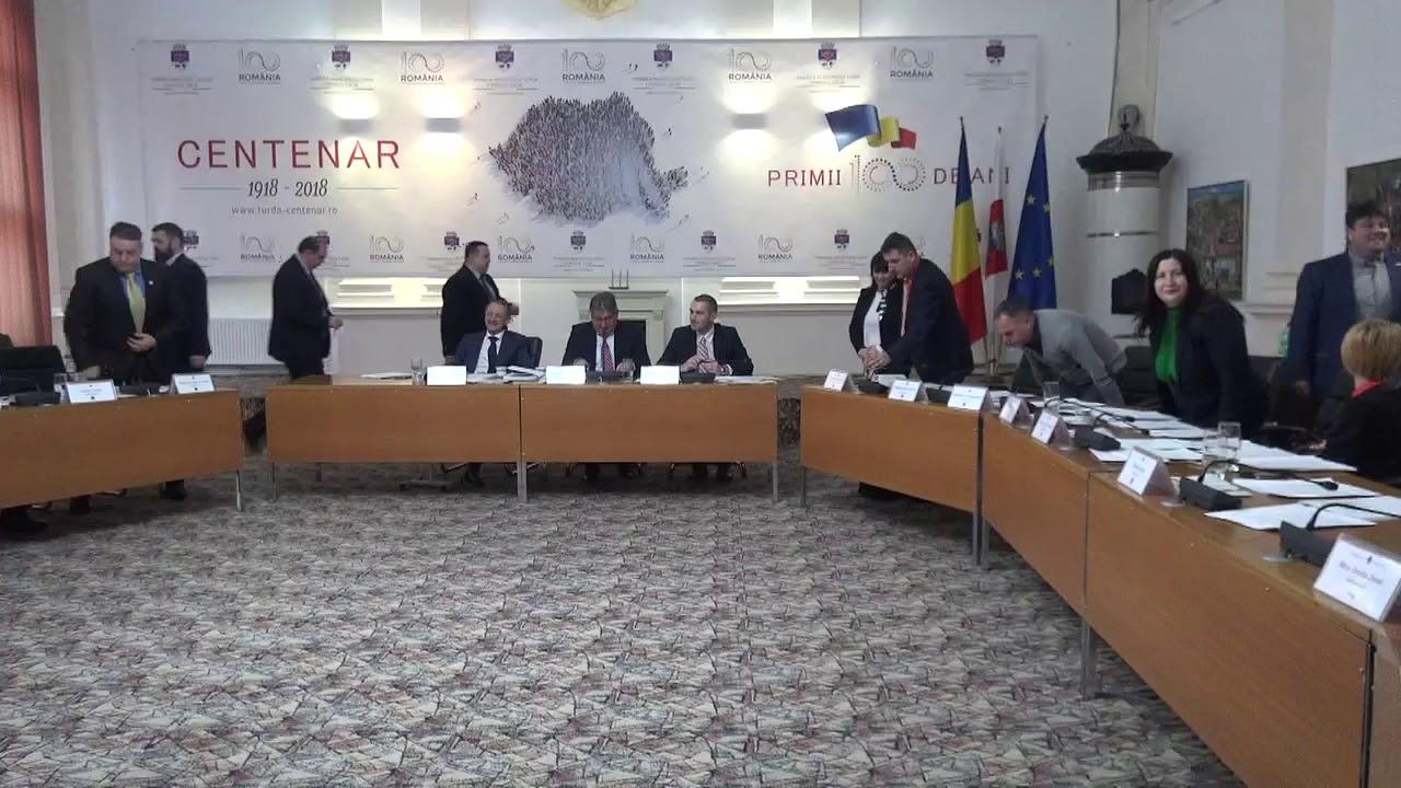 """Ședință CL Turda: Profesoara Eugenia Popa a fost declarată """"cetățean de onoare"""" a orașului"""