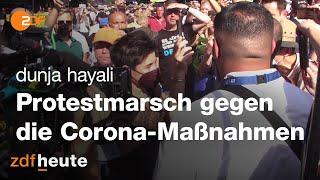 Dunja Hayali Beim Protestmarsch Gegen Die Corona Maßnahmen