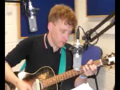 Alex Williams acoustic session CSR FM Oct 2012 (Psychotic Reaction/ Fleeting Things)