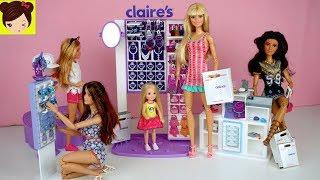 Barbie Hermanas Comprando en Tienda de Accesorios y Maquillaje -  Chelsea se Pone Aretes thumbnail