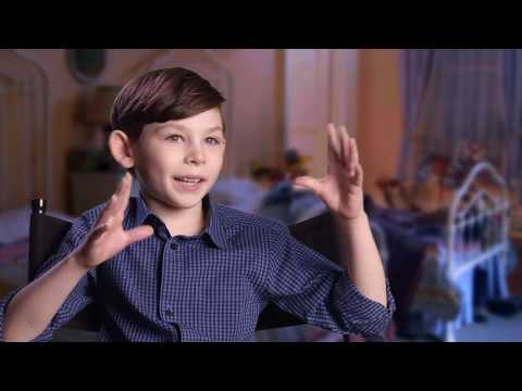"""MARY POPPINS RETURNS """"John Banks"""" Behind The Scenes Interview - Nathanael Saleh Mp3"""
