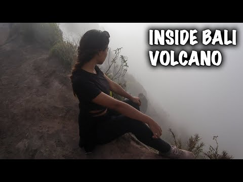 GOING INSIDE AN ACTIVE BALI VOLCANO | MOUNT BATUR SUNRISE TREK 🇮🇩